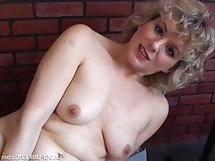 Amateur Mature Masturbation MILF Gorgeous
