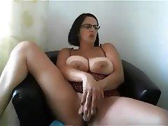 Amateur Big Boobs Big Nipples MILF