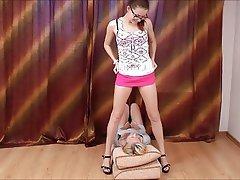 Amateur Face Sitting Femdom Lesbian