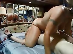 Amateur Blonde Face Sitting MILF Swinger