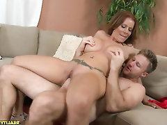 Big Ass Blowjob Cumshot Latina Mature
